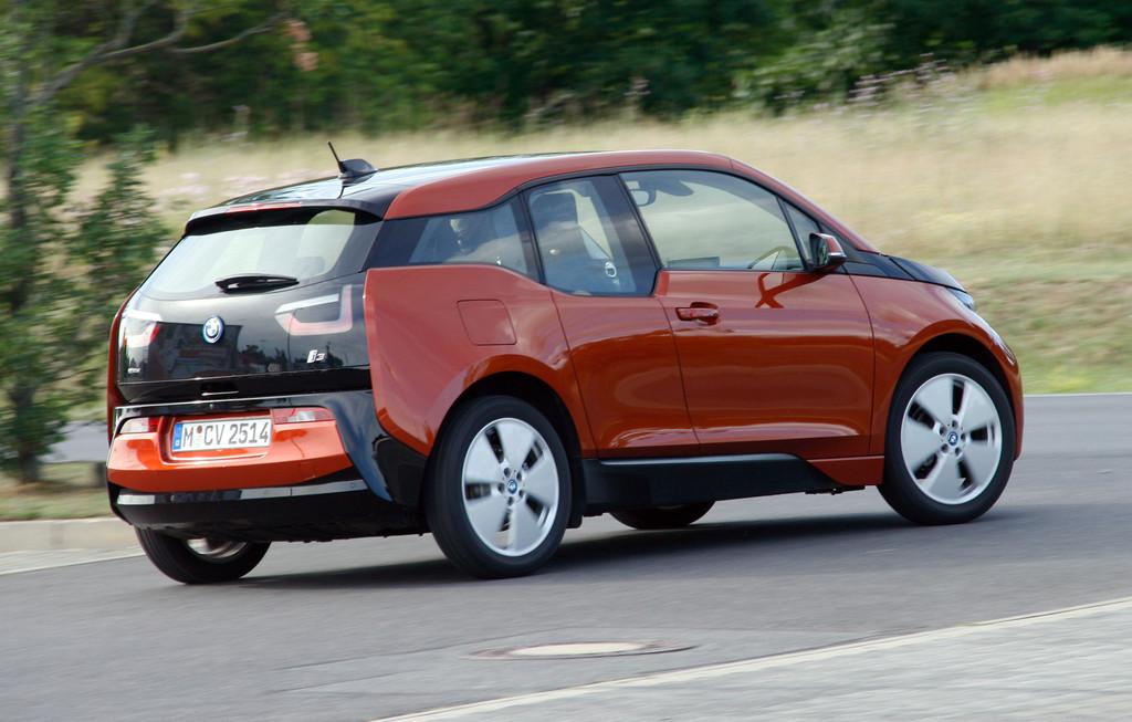 Fahrbericht BMW i3: Unterwegs ohne Netz und doppelten Boden