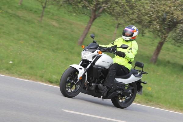 Honda CTX 700 N - Zwischen Chopper und Roller