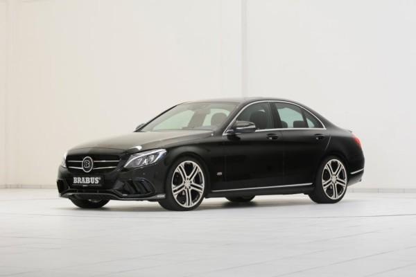 Kaum haben die ersten Exemplare der neuen Mercedes C-Klasse ihren Weg auf die Straßen gefunden, hat Brabus schon eine erste Tuning-Ausbaustufe für die Mittelklasse parat.