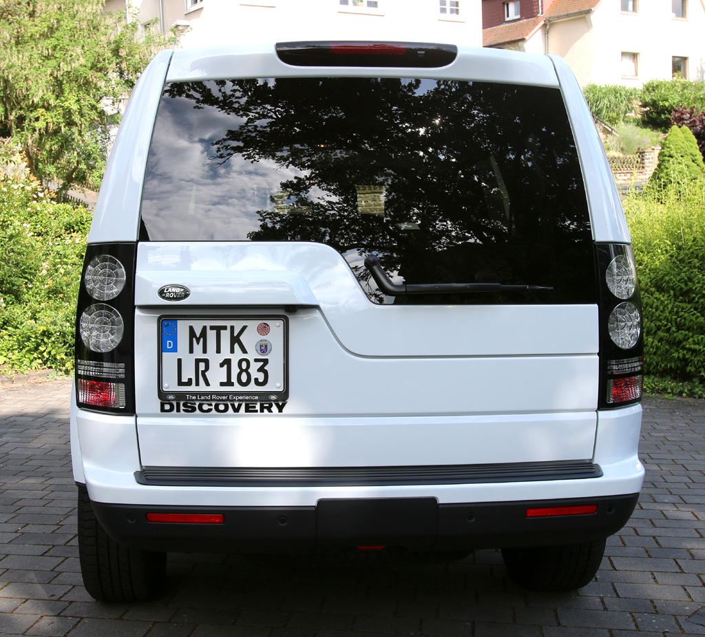 Land Rover Discovery: Blick auf die Heckpartie.