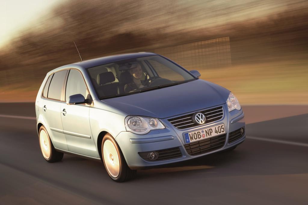 Mit dem Facelift 2005 bekam der Polo eine geänderte Front