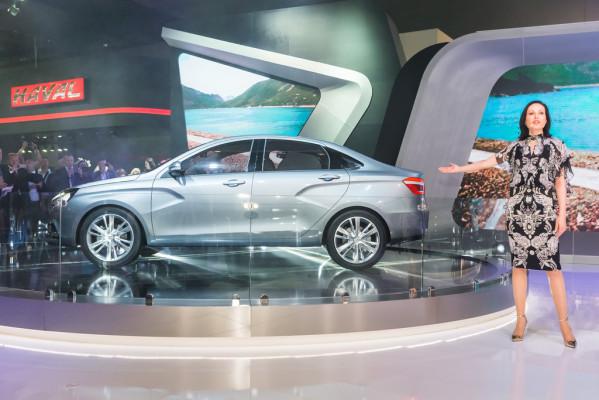 Moskau 2014: Lada zeigt mutiges Design