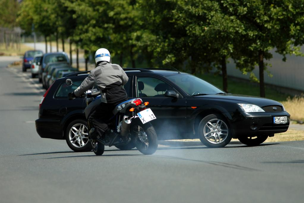 Motorradfahrer: So lassen sich Verkehrsunfälle vermeiden