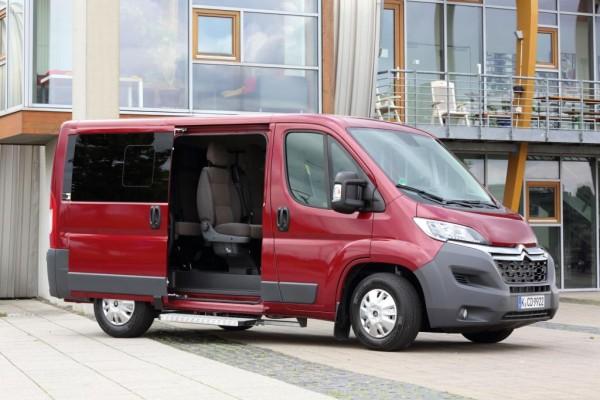 Nach dem kürzlich modernisierten Jumper schickt Citroen nun auch die Kombi-Variante des Transporters auf die Straße.