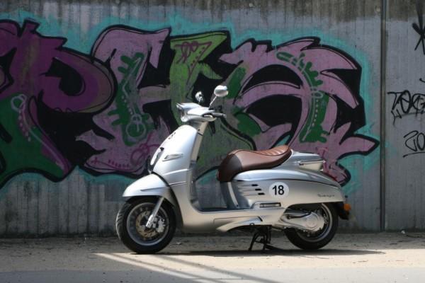 Peugeot Django 125: Retro-Roller mit Chic