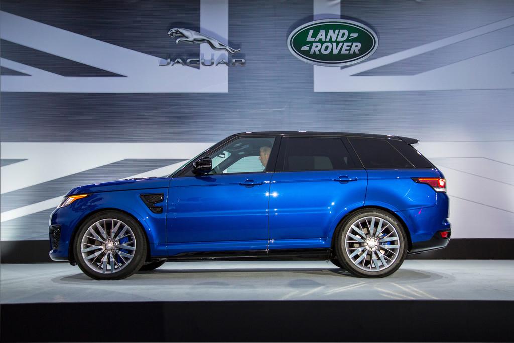 Range Rover Sport SVR läuft in Pebble Beach auf