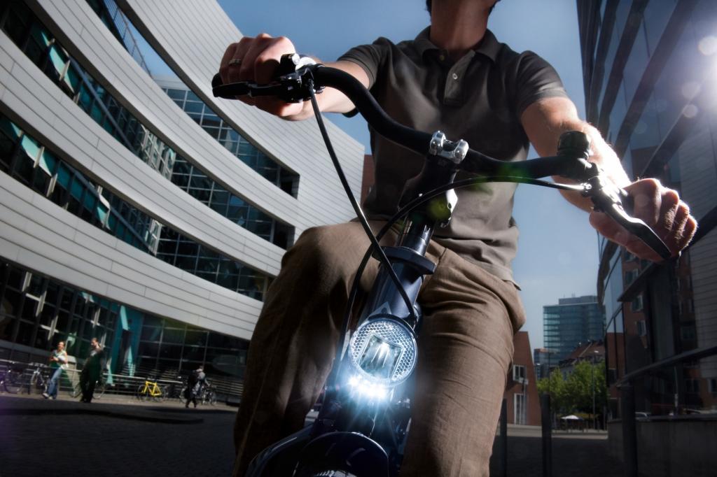 Sehen und gesehen werden ist für Autofahrer wichtig, für Besitzer von zweirädrigen Fahrzeugen und speziell von Fahrrädern  sogar noch mehr.