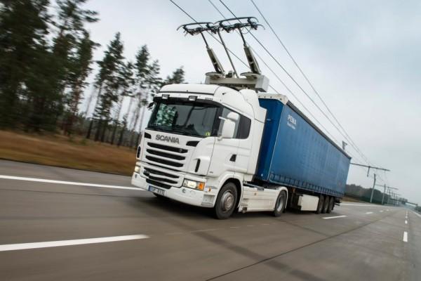 Siemens testet elektrische Autobahn - Oberleitungen für emissionsfreie Brummis