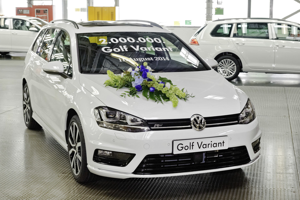 Volkswagen baut zweimillionsten Golf Variant