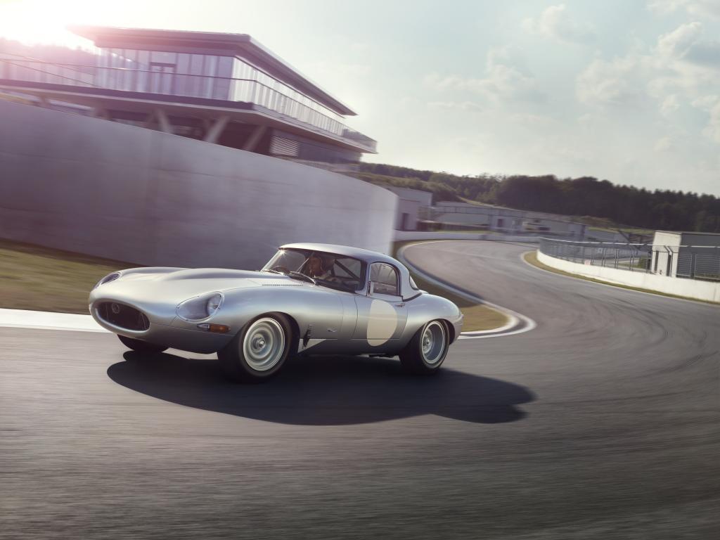 """Wie ihre historischen Vorbilder haben die E-Types Baujahr 2014 ebenfalls eine Aluminium-Karosserie, Kernkomponente des """"Lightweight"""""""