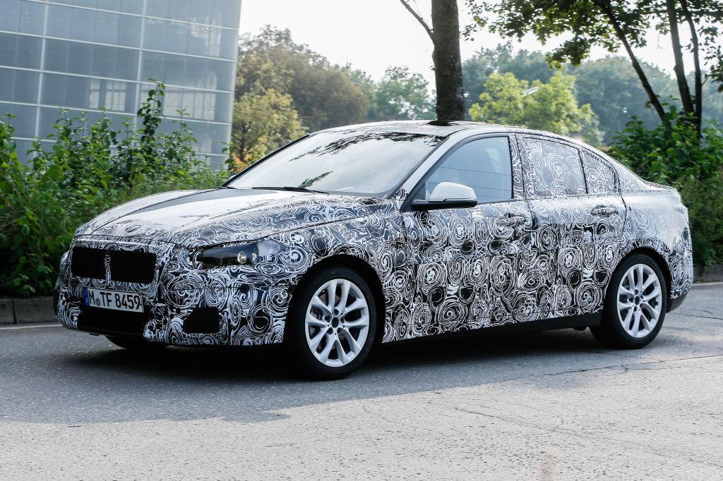 Erwischt: Erlkönig BMW 1er Stufenheck