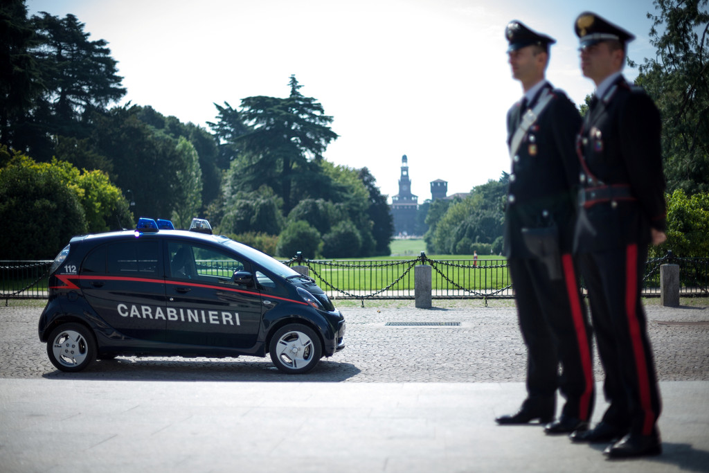 Carabinieri setzen Mitsubishi Electric Vehicle ein