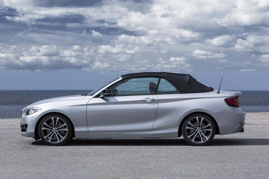 BMW 2er Cabrio - Vier Sitze unter freiem Himmel