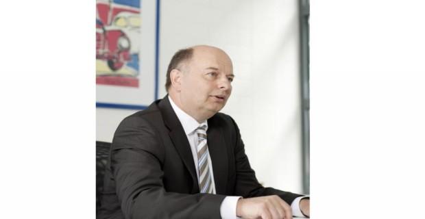 Dr. Uwe Ernstberger, Mercedes Benz, Leiter große Baureihen