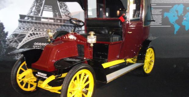 Exklusiv: Vor 100 Jahren zogen zum ersten Mal Autos in einen Krieg