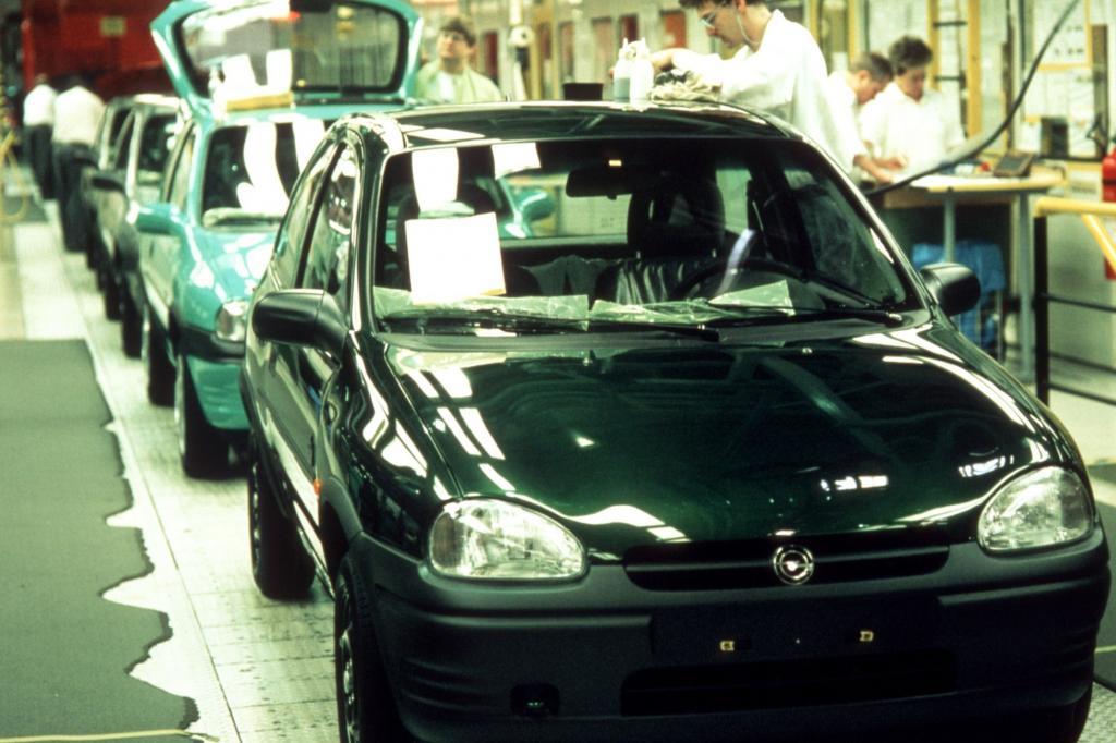 Opel Corsa B Werk Eisenach Endkontrolle 1996