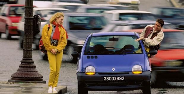 Platz 2: Renault Twingo, 1992. Die charmante Frontgestaltung nach den Formen des Kindchenschemas machte den Twingo begehrenswert und neugierig auf seine inneren Charakteristika