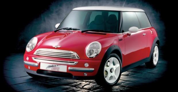 Platz 5: Mini (BMW) von 2000. BMW kann auch Mini, lautete vor 14 Jahren die damals überraschende Botschaft vom Ufer der Seine