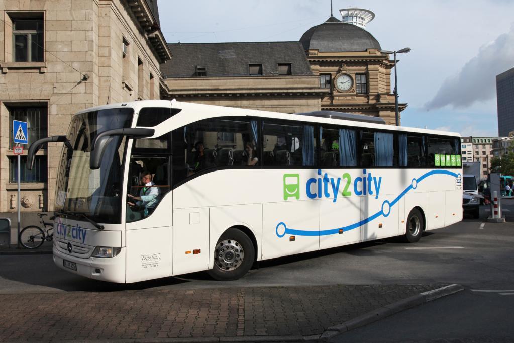 Preiskampf auf Fernbus-Markt fordert erstes Opfer