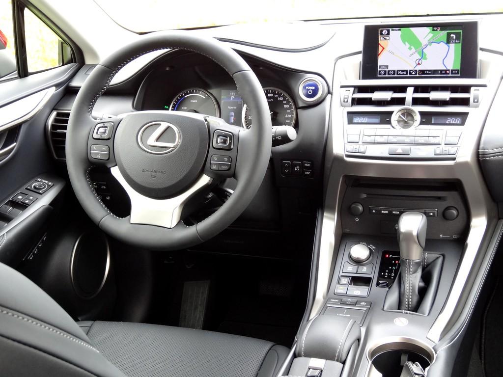 Pressepräsentation Lexus NX300h: Vorsicht, Verletzungsgefahr!