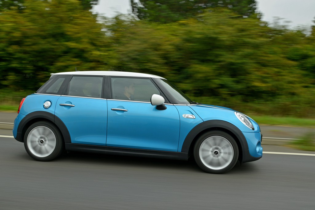 Pressepräsentation Mini Cooper 5-Türer: Mini Midi oder Grand Mini?