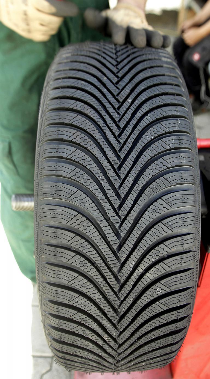 So sieht das Profil des neuen Alpin-5-Winterreifens von Michelin aus.