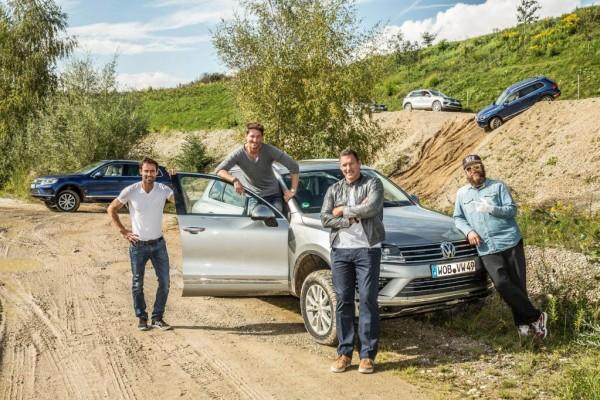 VW-Spaß: Promis als Testfahrer