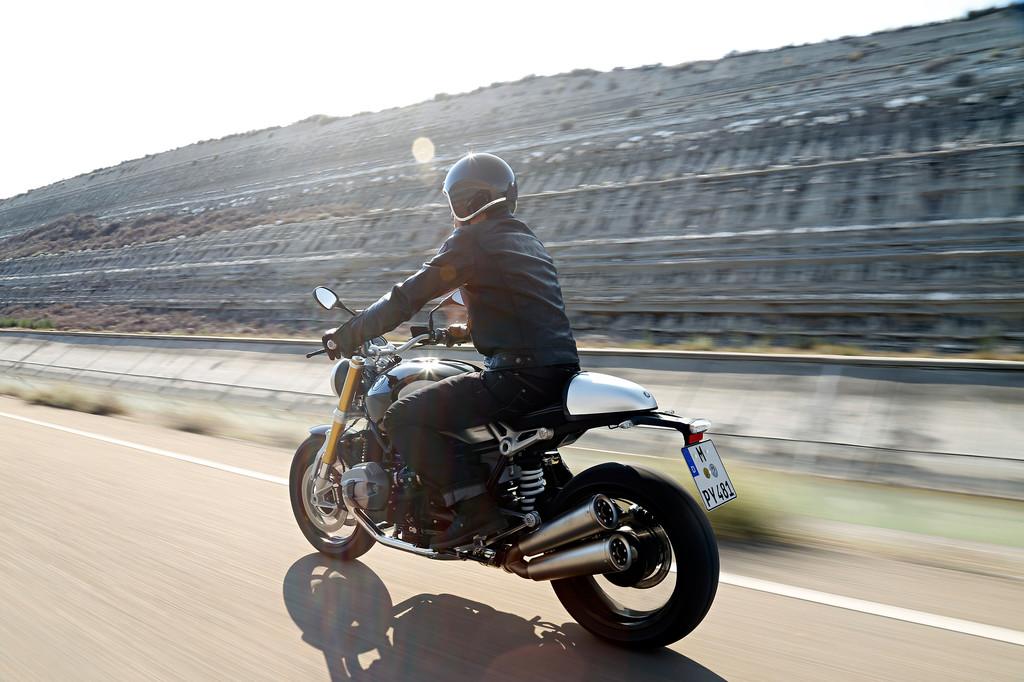 Test BMW R Nine T: Eine Hommage in Heavy Metal