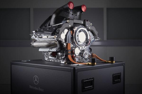 """Mercedes-AMG erhält """"Dewar Trophy"""""""
