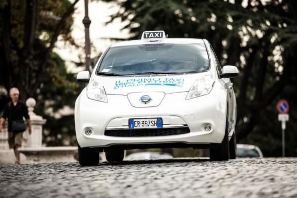 Mobile Ladestation für Elektrotaxi in Rom