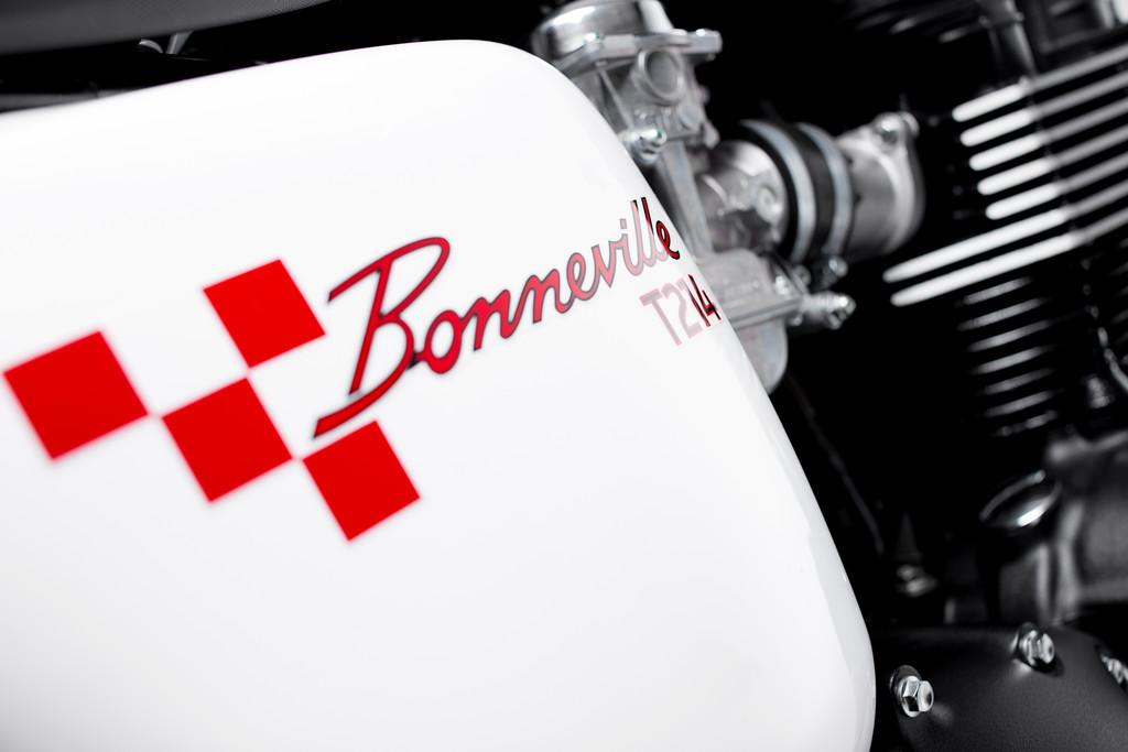 Triumph Bonneville T214.