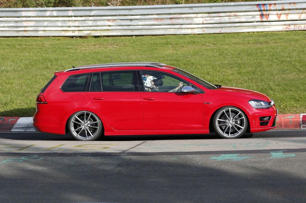 Erwischt: Erlkönig VW Golf R Variant