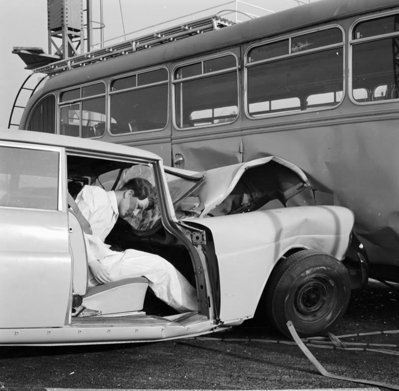Aufprallversuch im Mercedes-Werk Sindelfingen mit