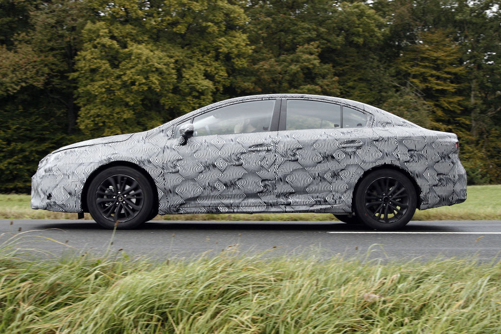 Erwischt: Erlkönig Toyota Avensis
