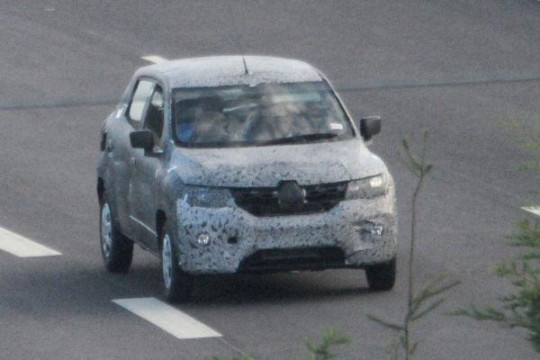 Erwischt: Dacias SUV als Erlkönig