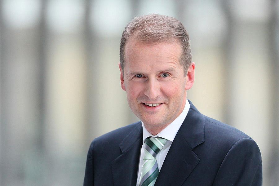 Dr. Herbert Diess übernimmt VW-Vorstandsvorsitz