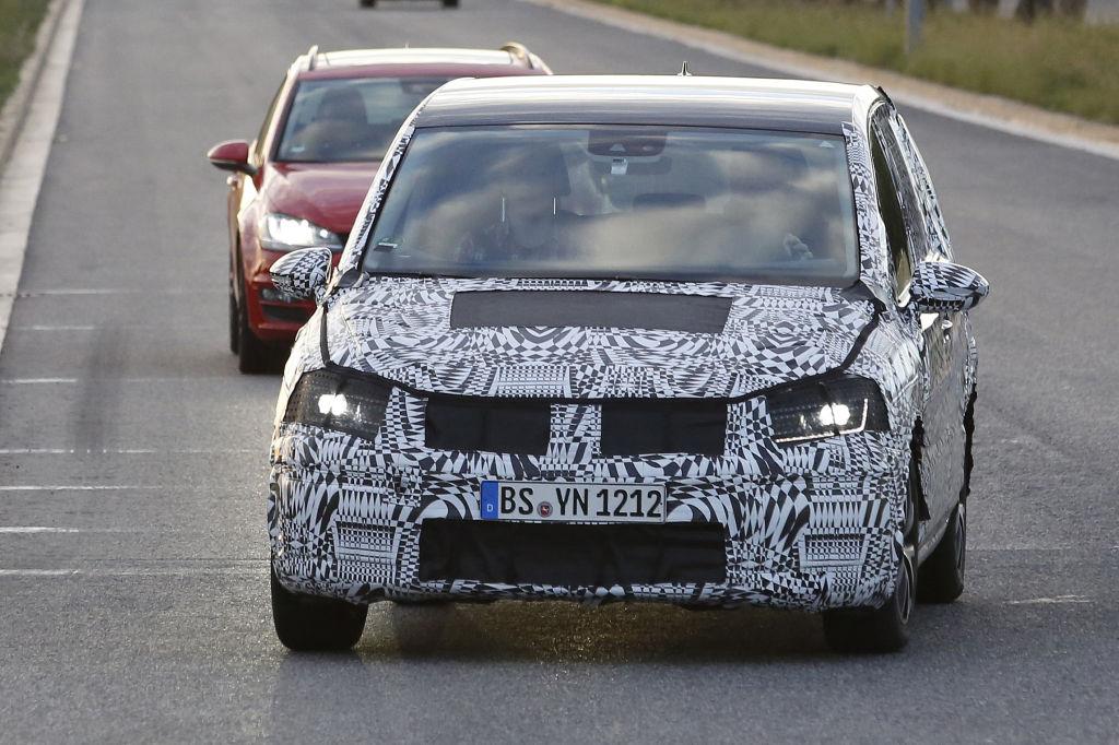 Erwischt: Erlkönig VW Touran