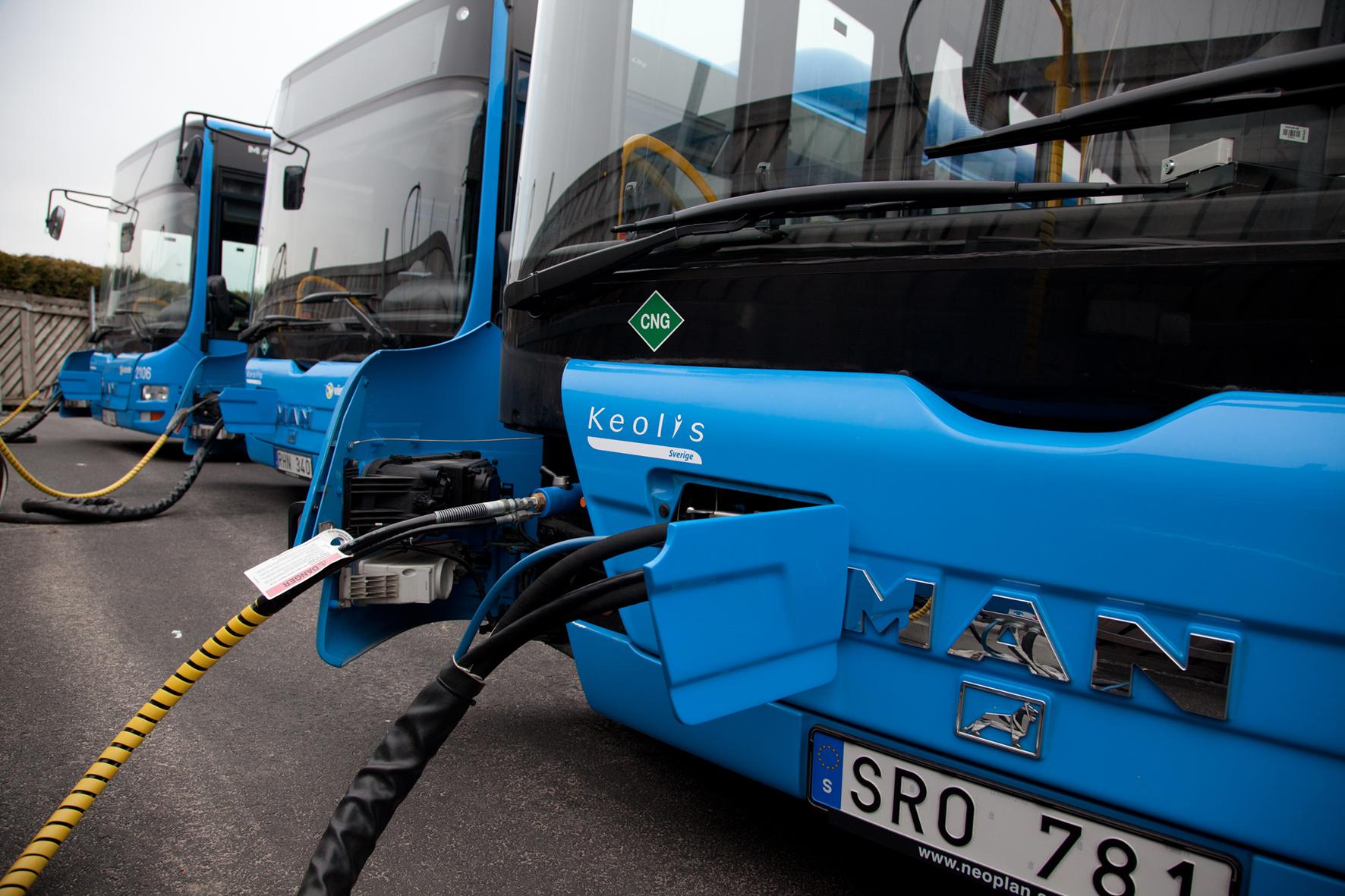 Bristol/Großbritannien - Menschliche Fäkalien und Abfälle wandelt ein Unternehmen in England in Biogas um, das zum Betrieb eines Busses verwendet wird.