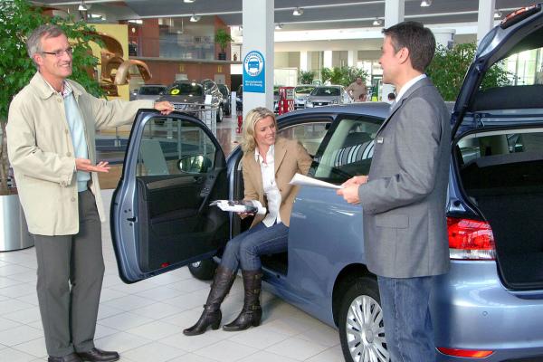 Autokauf beginnt am Flughafen
