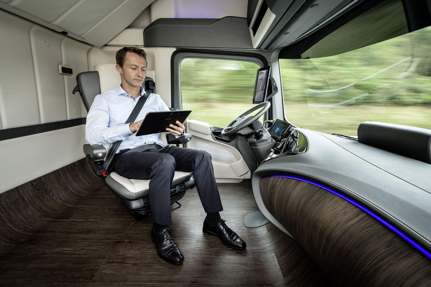 Mercedes-Visionen: Auto als digitaler Erlebnisraum