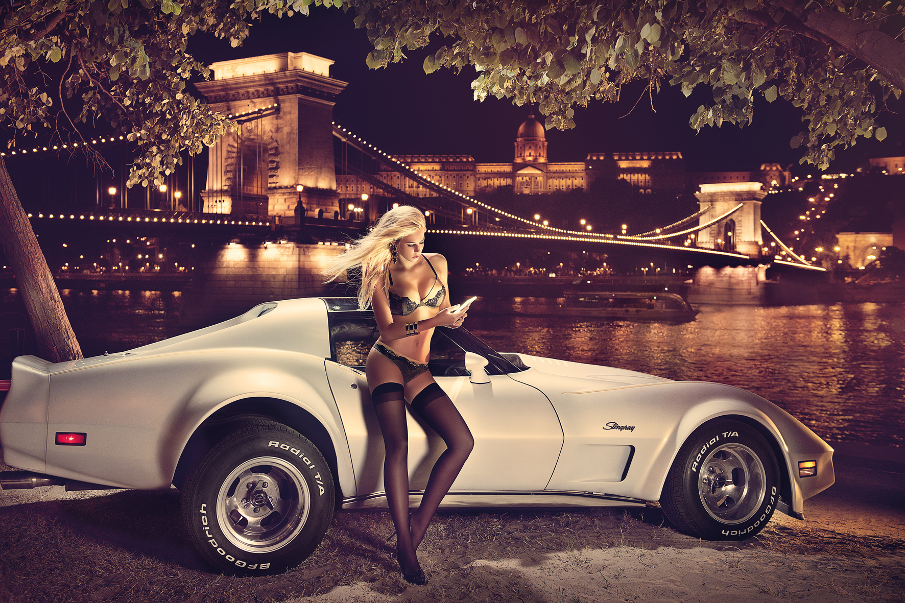 Frauen lassen ihr Auto bei schlechten Straßenverhältnis auch gerne mal stehen.
