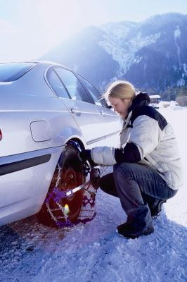 Wintereinbruch bremst Verkehr in den Alpen