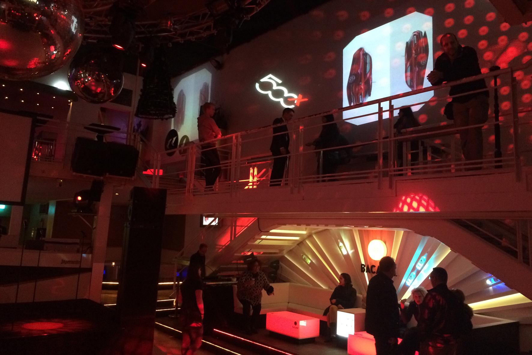 Hip-Hop-Star Jan Delay rockt den Fiat 500X