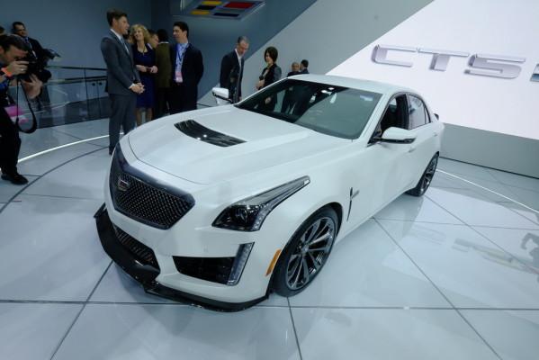 Detroit 2015: Schneller Reisen im Cadillac CTS-V