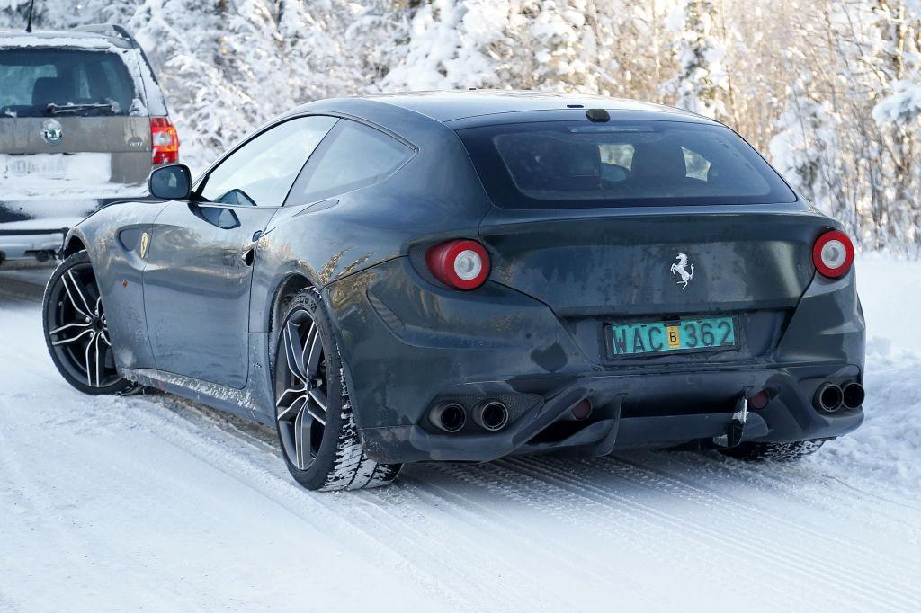Erwischt: Erlkönig Ferrari FF Facelift