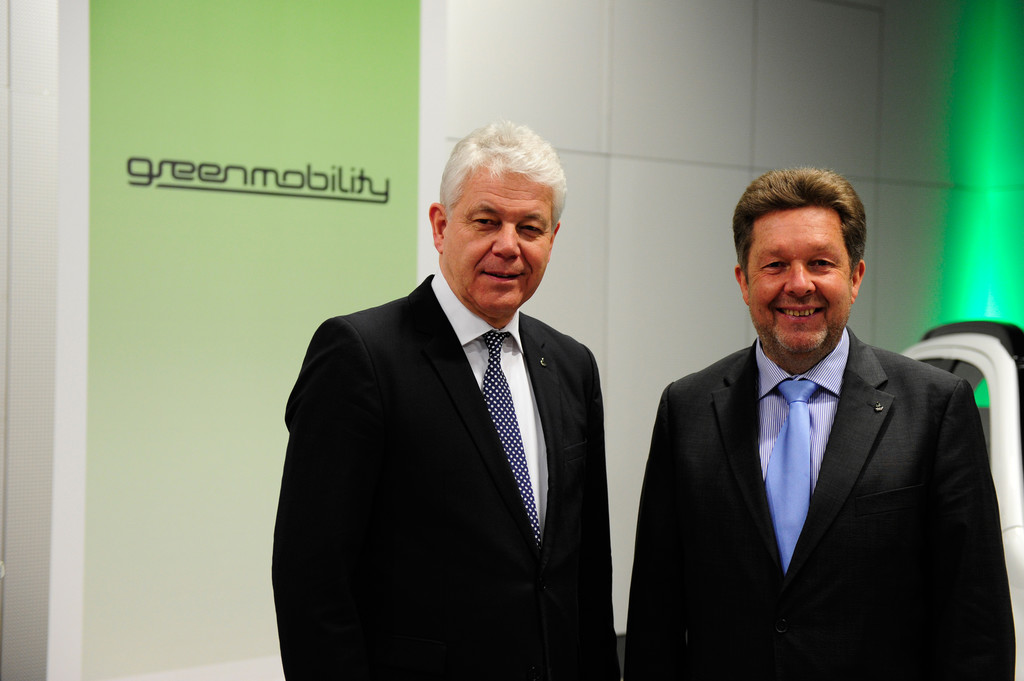 BEM-Präsident fährt Plug-in Hybrid Outlander