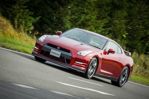 Nissan überarbeitet GT-R