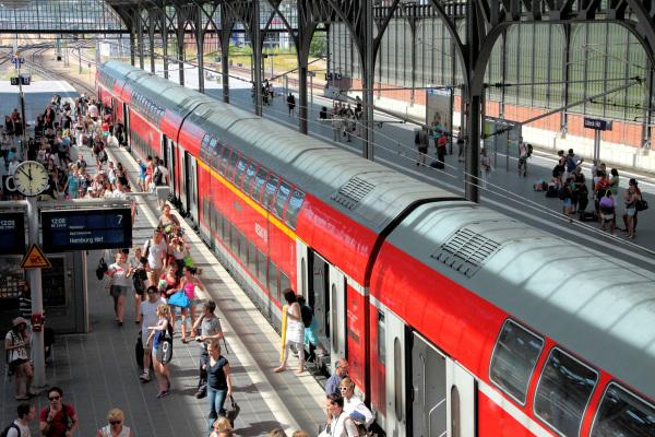 Informationspflicht der Deutschen Bahn bei Verspätungen