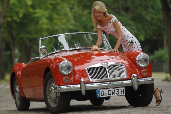 Bei der Autopflege können Frauen noch lernen