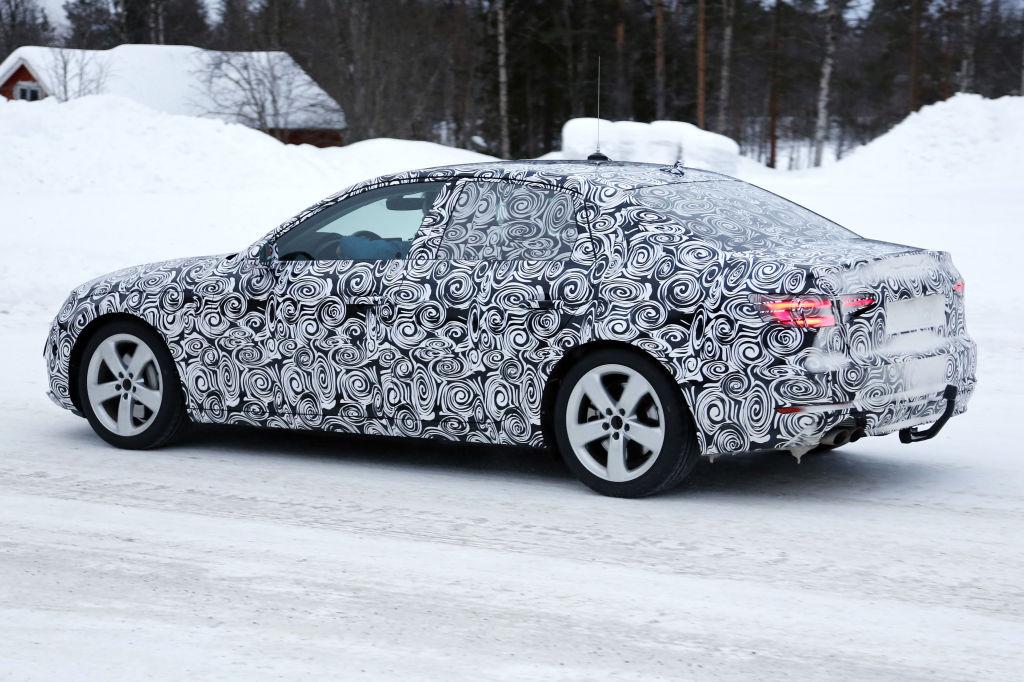 Erwischt: Erlkönig Audi A4